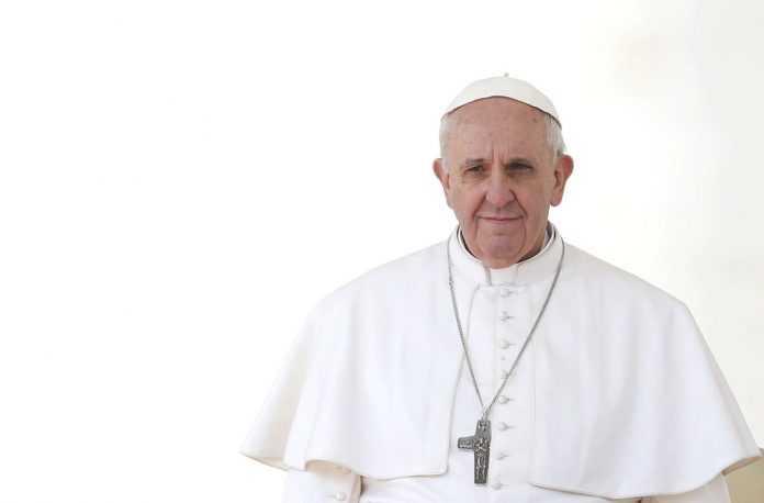 Francisco manifestó a movimientos sociales